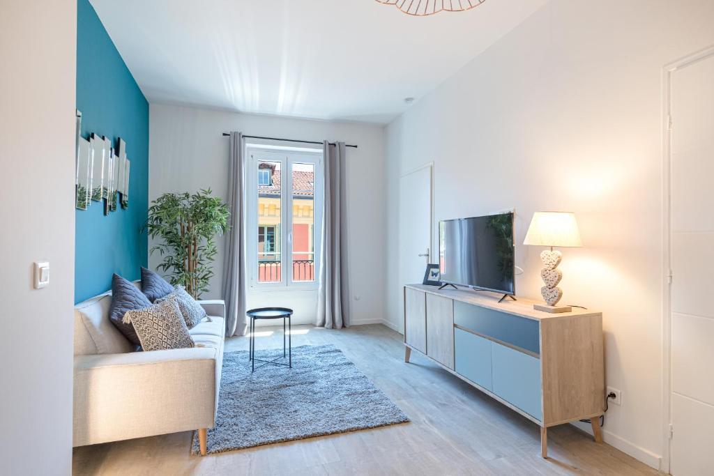 3 FODERE - Magnifique 2 pièces, Quartier du Port , dernier étage