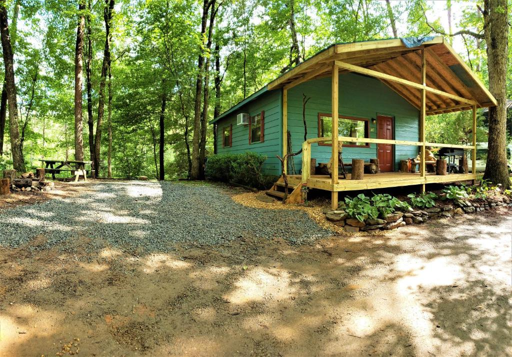 Mountain Laurel Cottage at Hearthstone Cabins and Camping