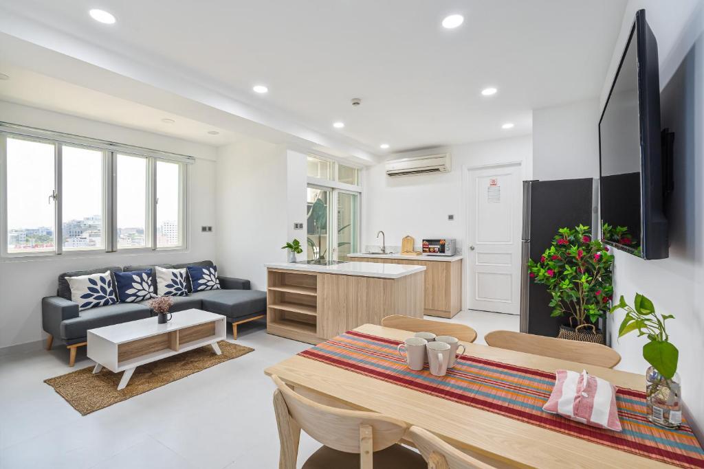 HoLo Alex House Saigon - Serviced HomeStay