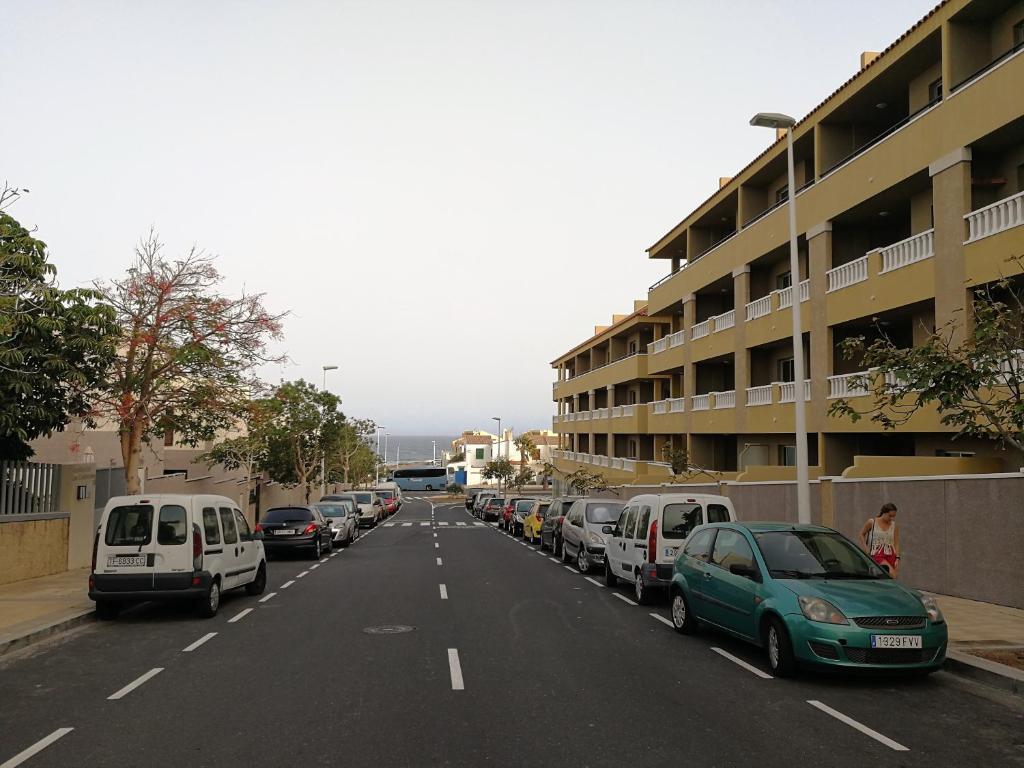 El Médano. La Perla, terrace & pool