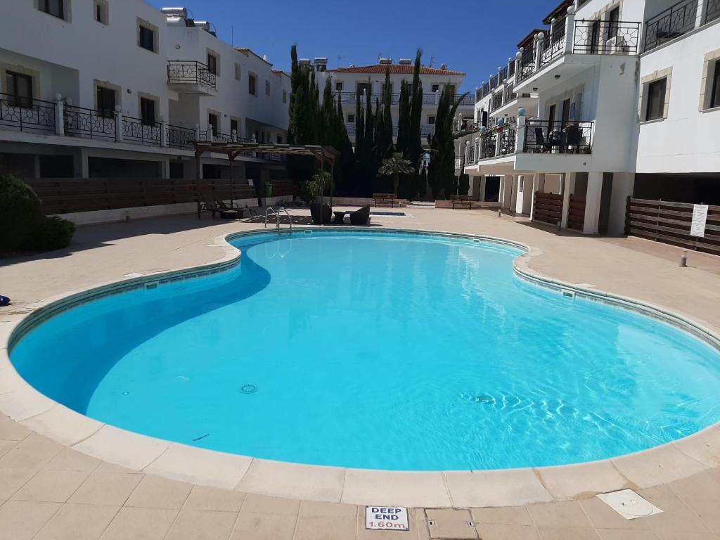 Lovely New Apartment with Swimming Pool