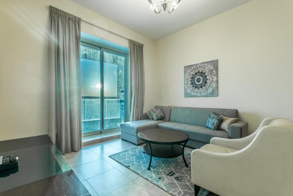 Primestay - Beautifully Furnished 1BR near the Metro