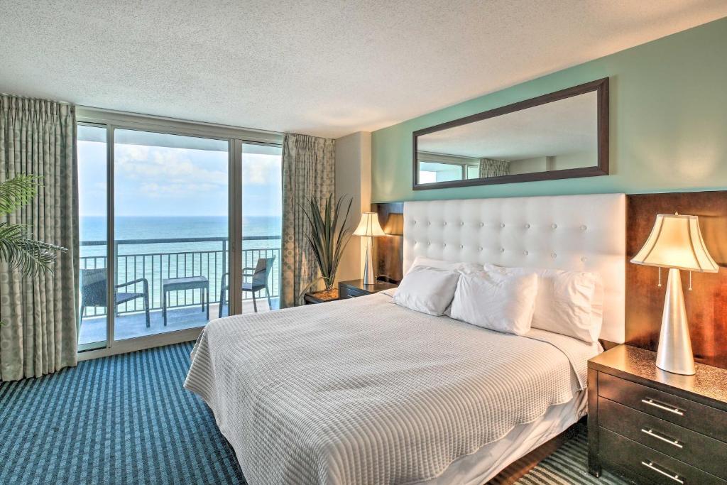 Beachfront Resort Bliss, Steps to Boardwalk!