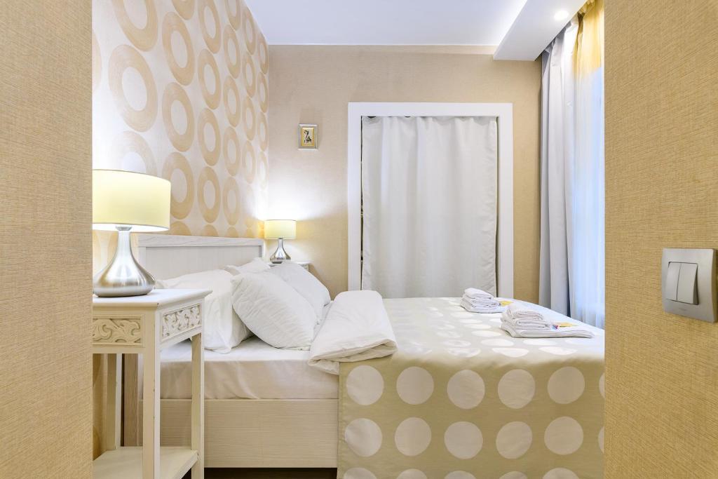 One Bedroom Apartment on Vladimirskaya - Евро-двухкомнатная квартира, 4 спальных места, RentHouse