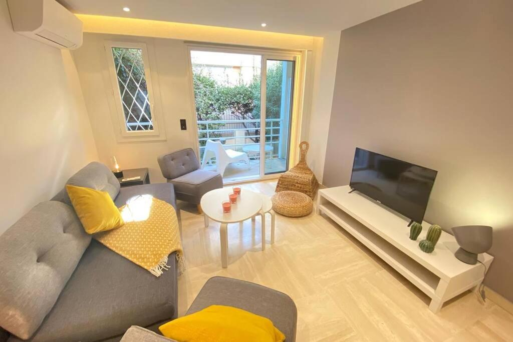 Renovated 2 bedrooms 50m from the Croisette and the sea
