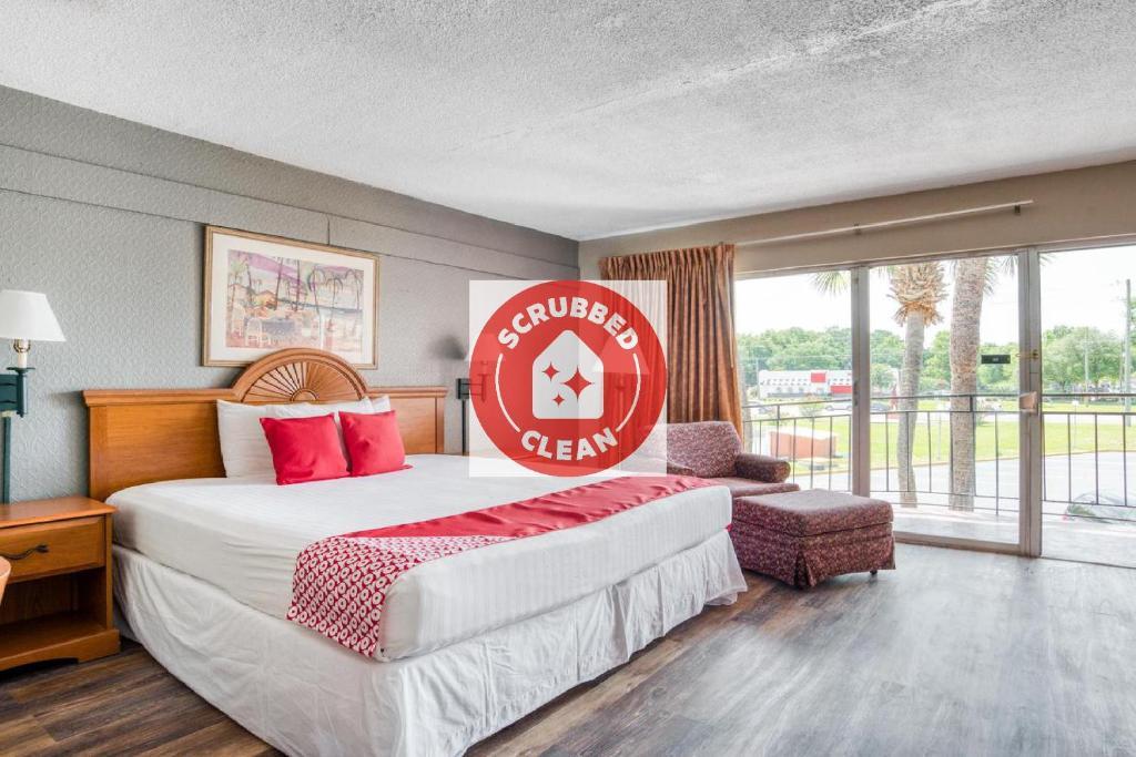OYO Hotel Mustang Silver Spring FL