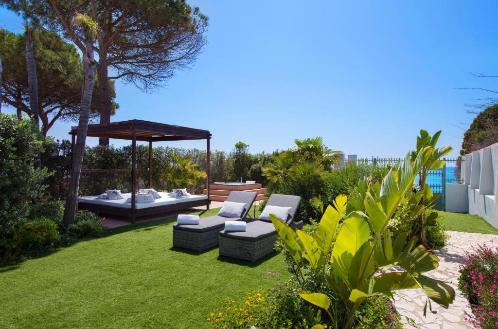 Lussuoso appartamento sulla spiaggia di Nora con jacuzzi e giardino image8