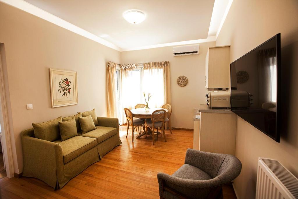 Bentzi...Boutique Apartment 4, Superior Family Suite for 4 guests