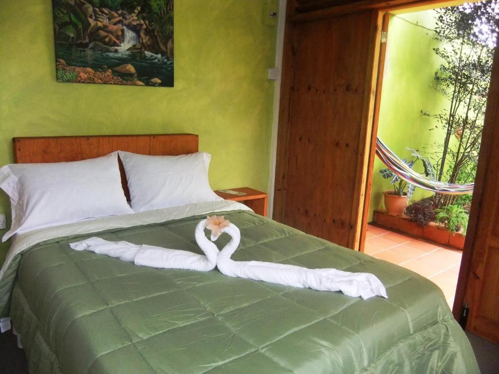 Serenity Lodges Dominica