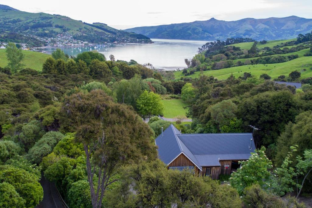 Fantail Cottage - Akaroa Holiday Home
