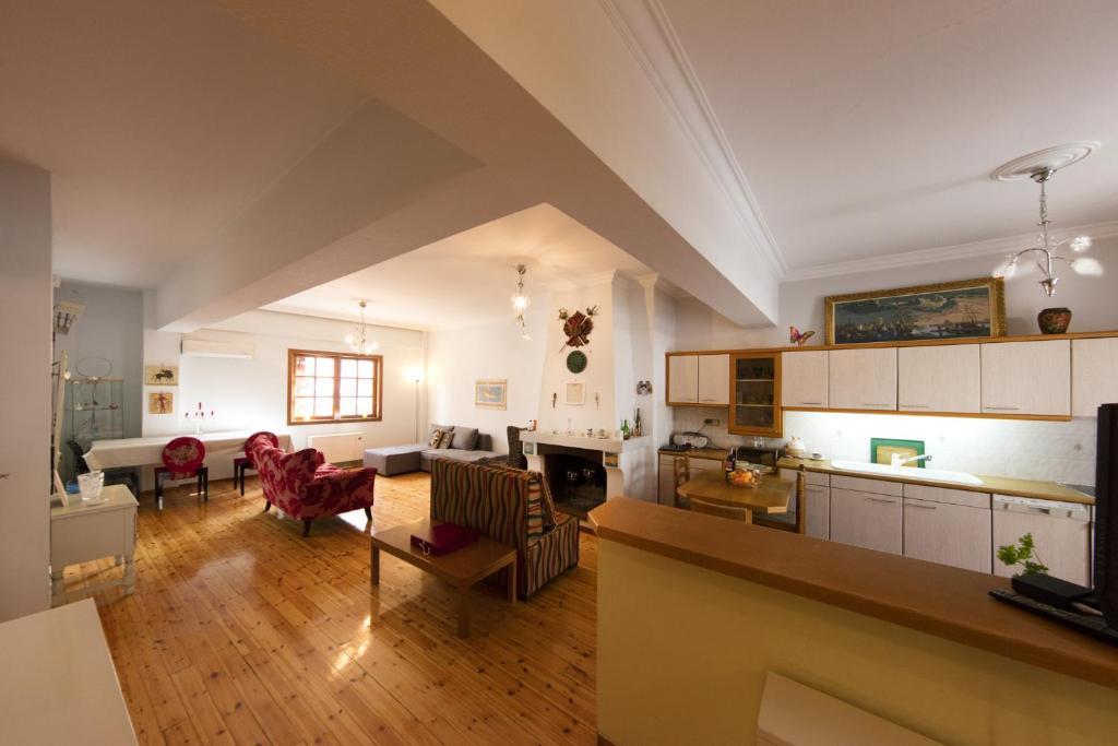 Exquisite Athens Apartment