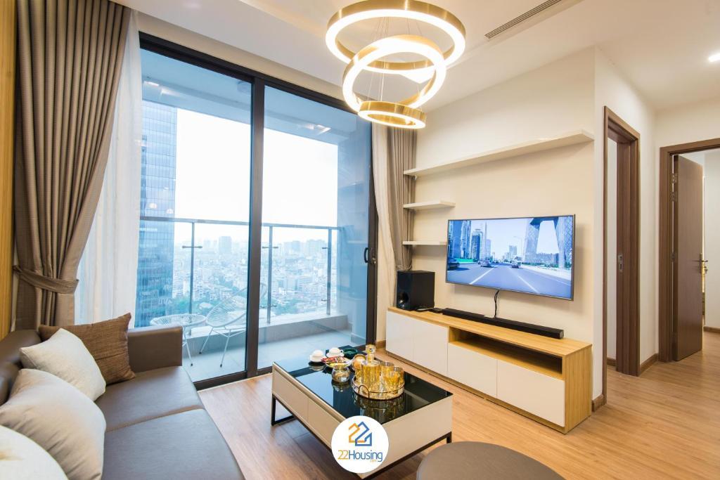 Long Apartment Vinhomes Metropolis 5 Star Service