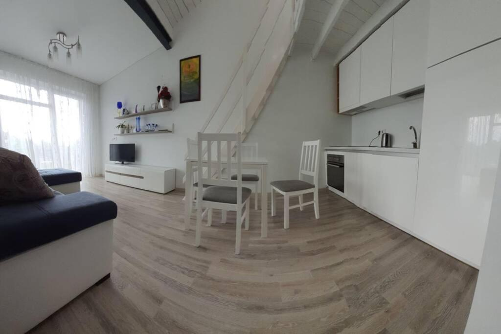 Big Apartment Malūno vilose