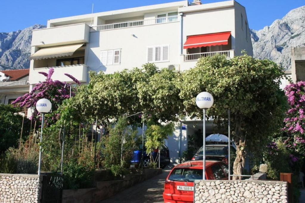 Apartments Emma Holidays