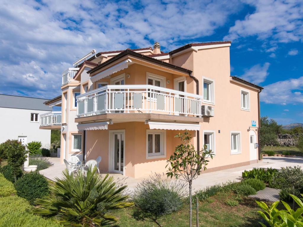 Apartment Villa Nikaroni-1