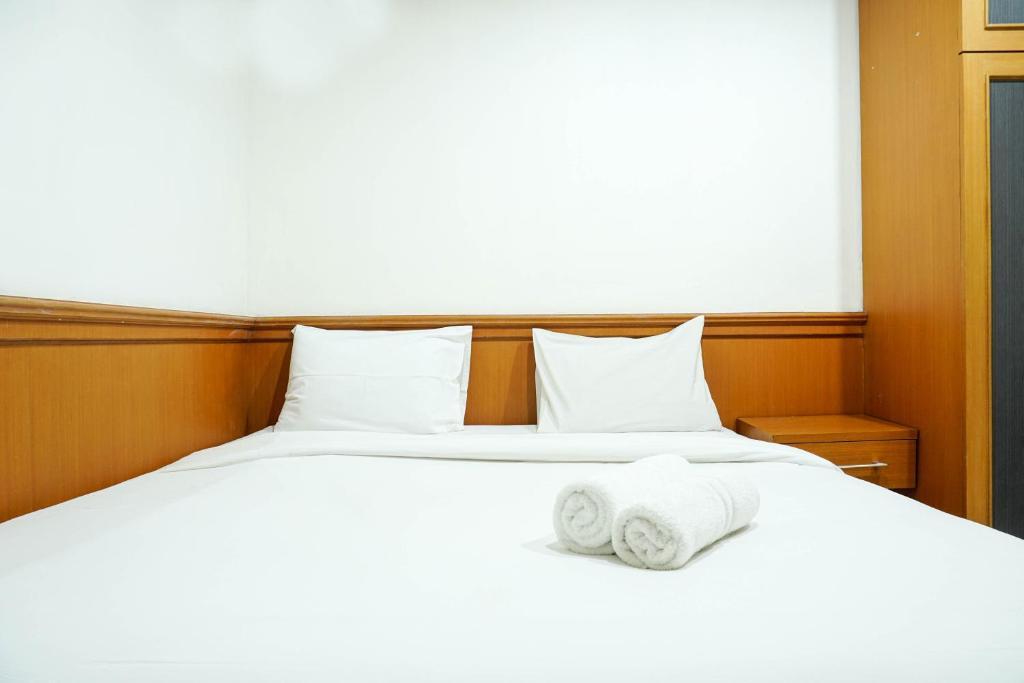 Good Choice 1BR Pangeran Jayakarta Apartment By Travelio