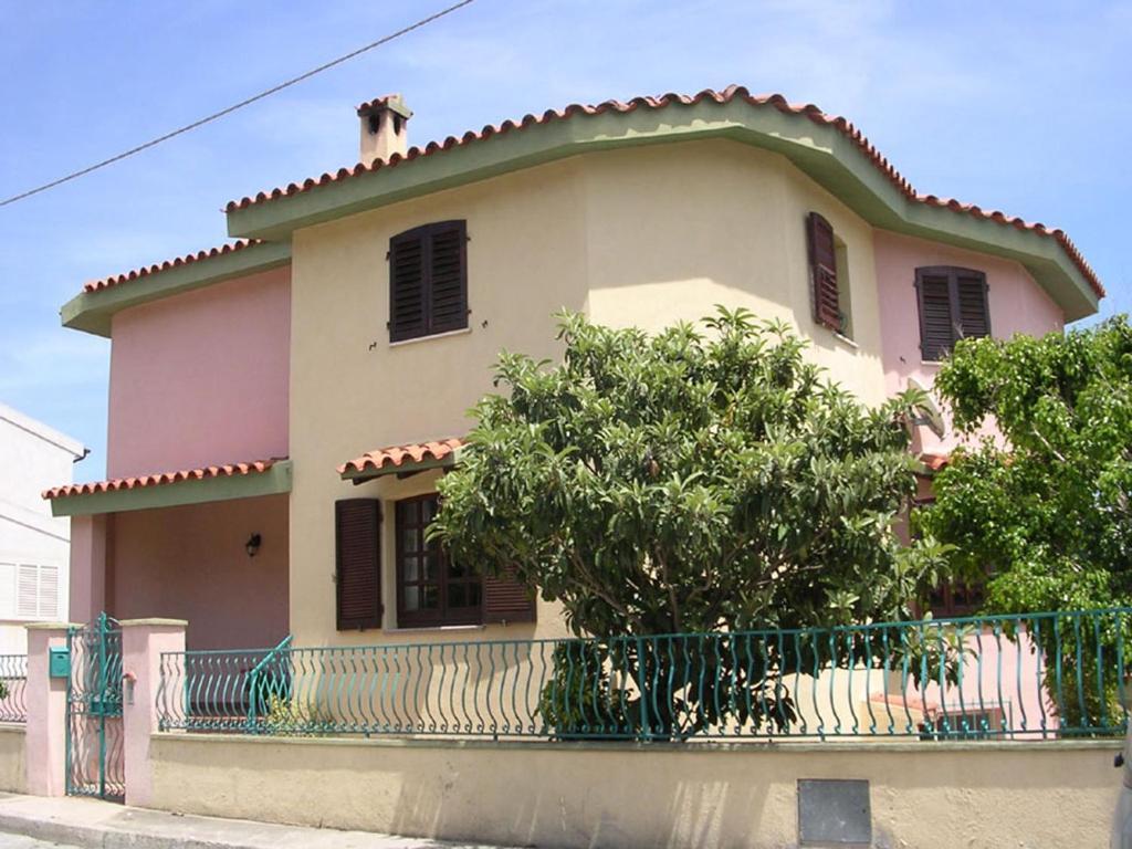 Orosei-Sardegna-Appartamento 5 posti letto con giardino img1