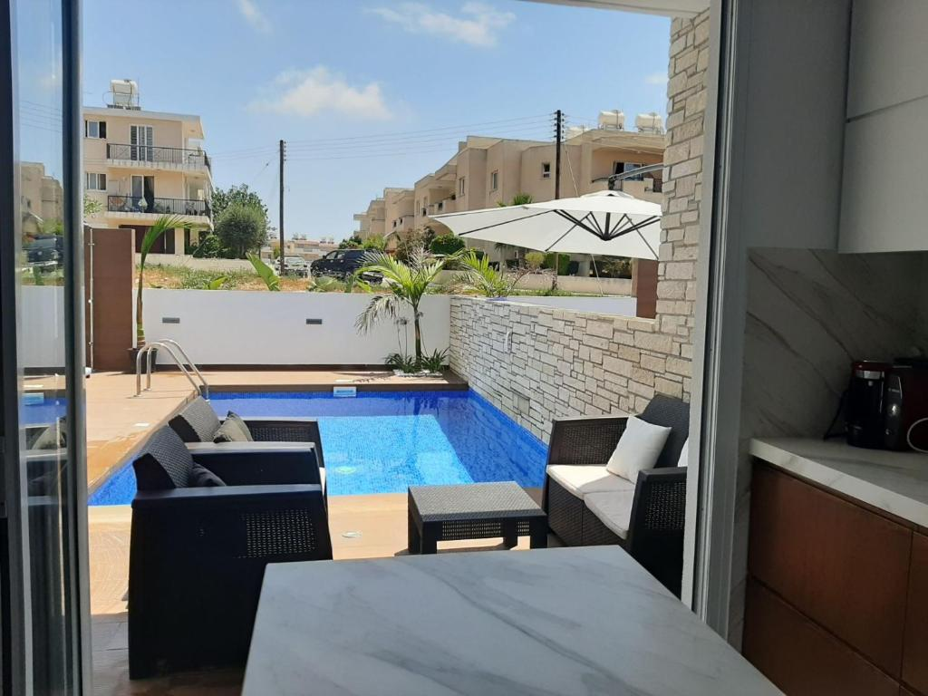 Melanos Fully Renovated TownHouse with Private Pool