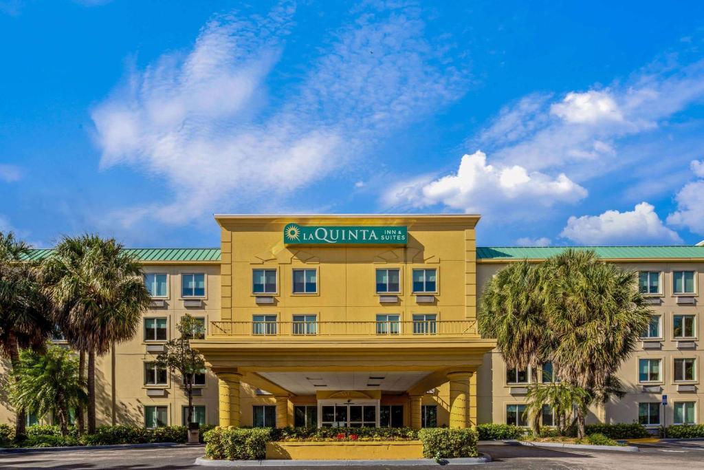 La Quinta by Wyndham Miami Cutler Bay