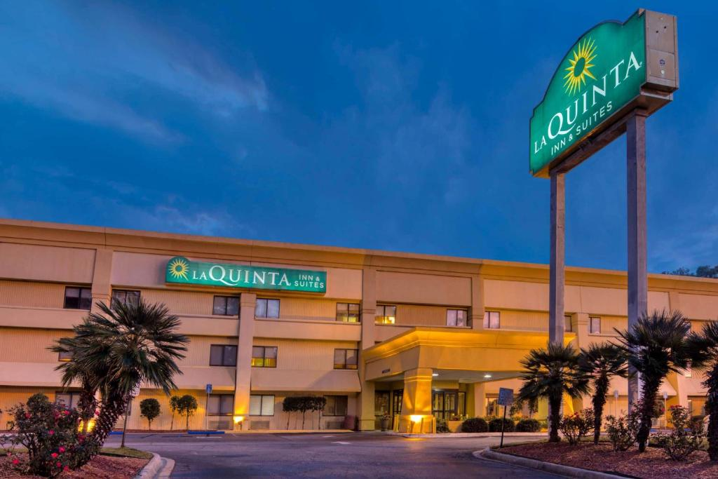 La Quinta by Wyndham Savannah Southside