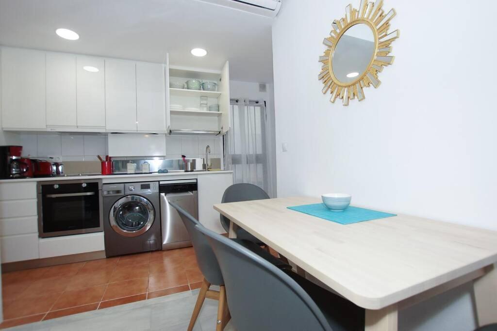 New Apartment PLAZA DEL LOS CRISTOS for 4
