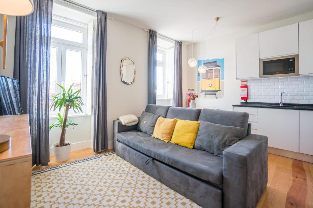 GuestReady - Chic and Vibrant Apt with Stunning Views - Anjos