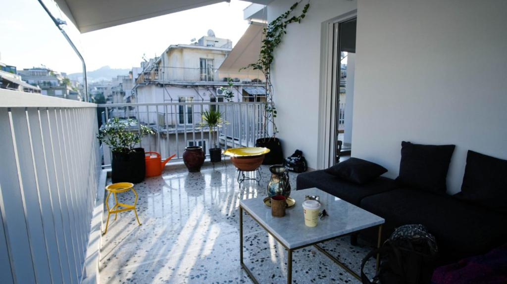 Heart of Athens! Central nice rooftop studio