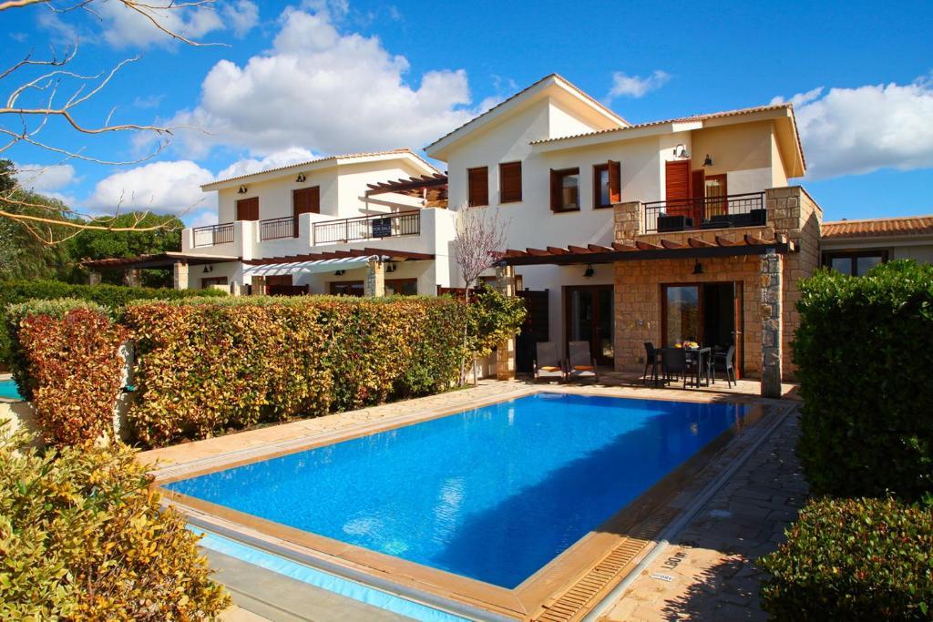 Villa in Kouklia Sleeps 4 includes Swimming pool Air Con and WiFi 0 5