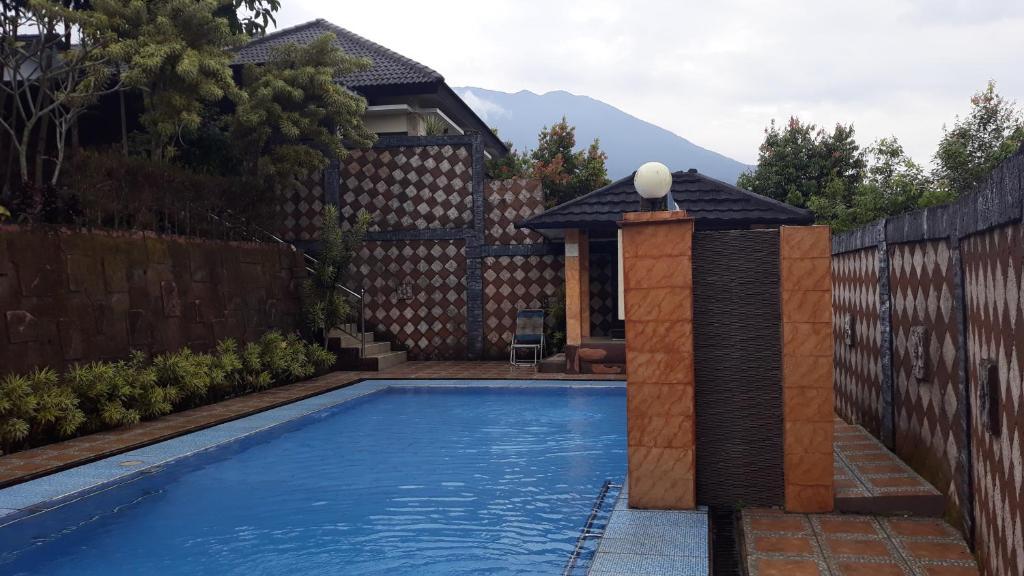 villa faher satu lokasi dengan villa kayu