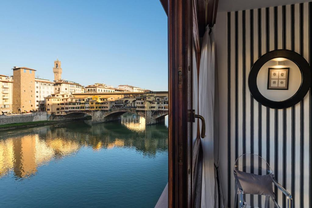 Ponte Vecchio Luxury View Suite