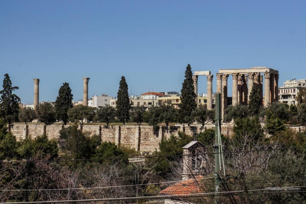 5 min walking from Acropolis, with view