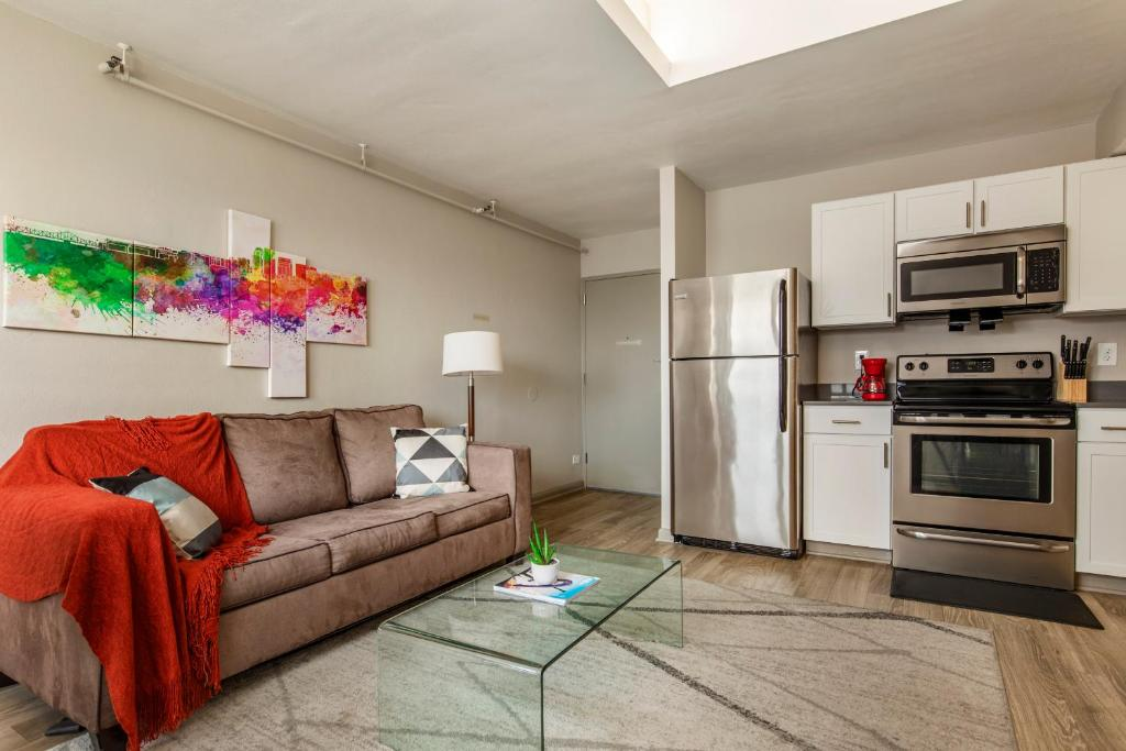 TWO Contemporary 1 Bedroom CozySuites