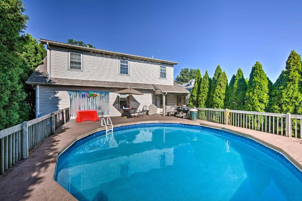 Charming Amish Country Home with Private Pool and BBQ!