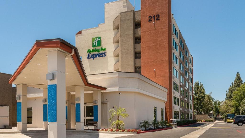 Holiday Inn Express Fullerton-Anaheim, an IHG Hotel