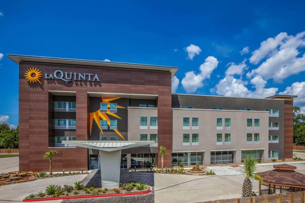 La Quinta by Wyndham Houston East at Sheldon Rd