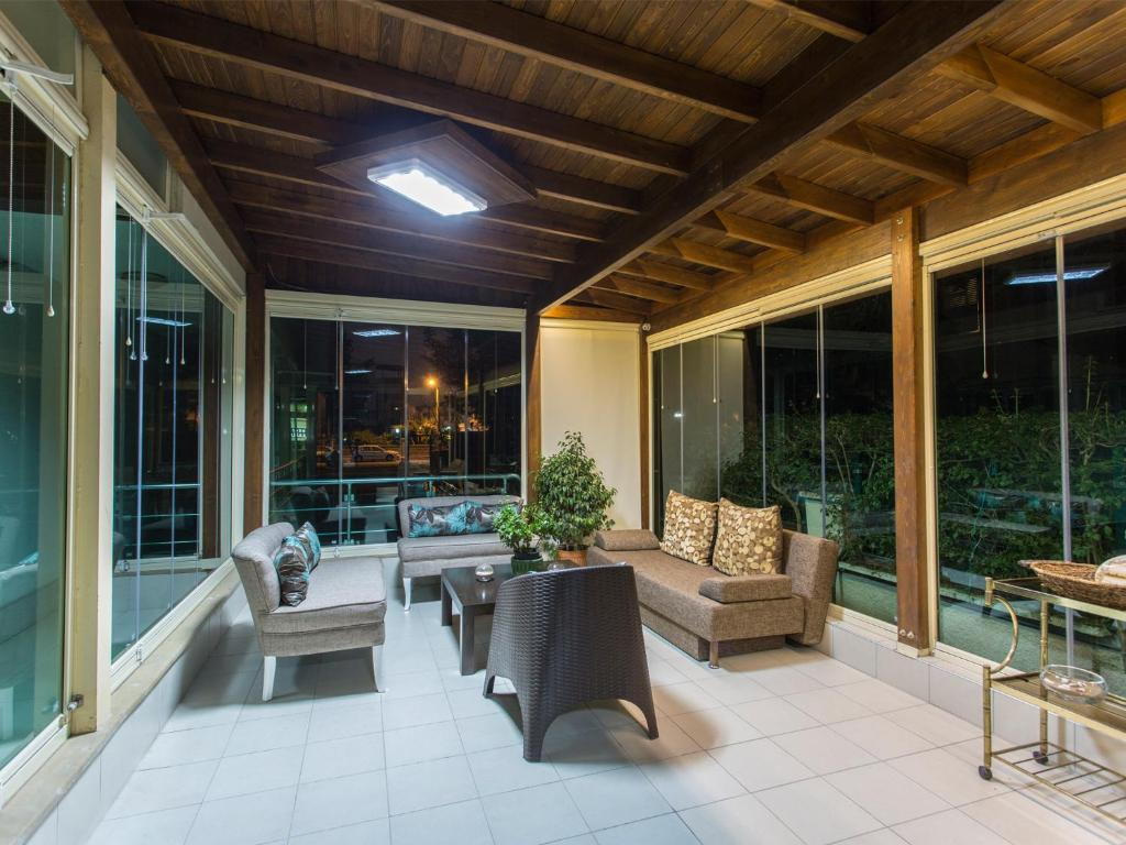 Address residence luxury suite hotel antalya for Aussenpool komplett