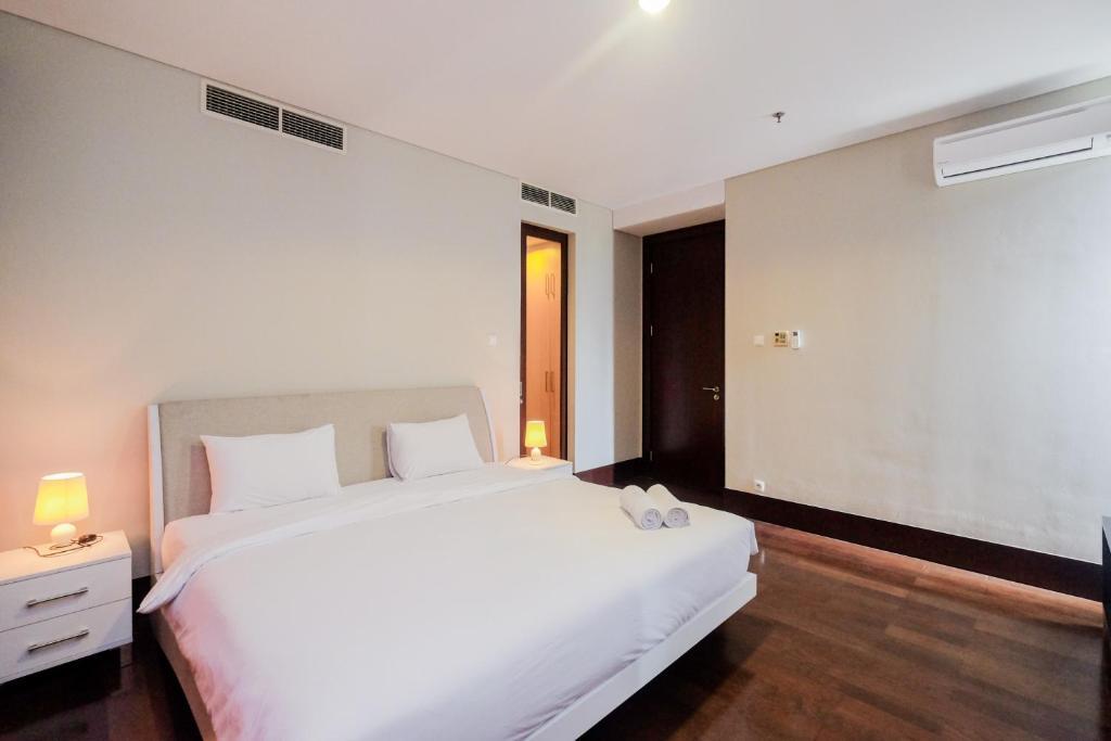 Exclusive Pearl Garden Cream Pearl 2BR Apartment By Travelio
