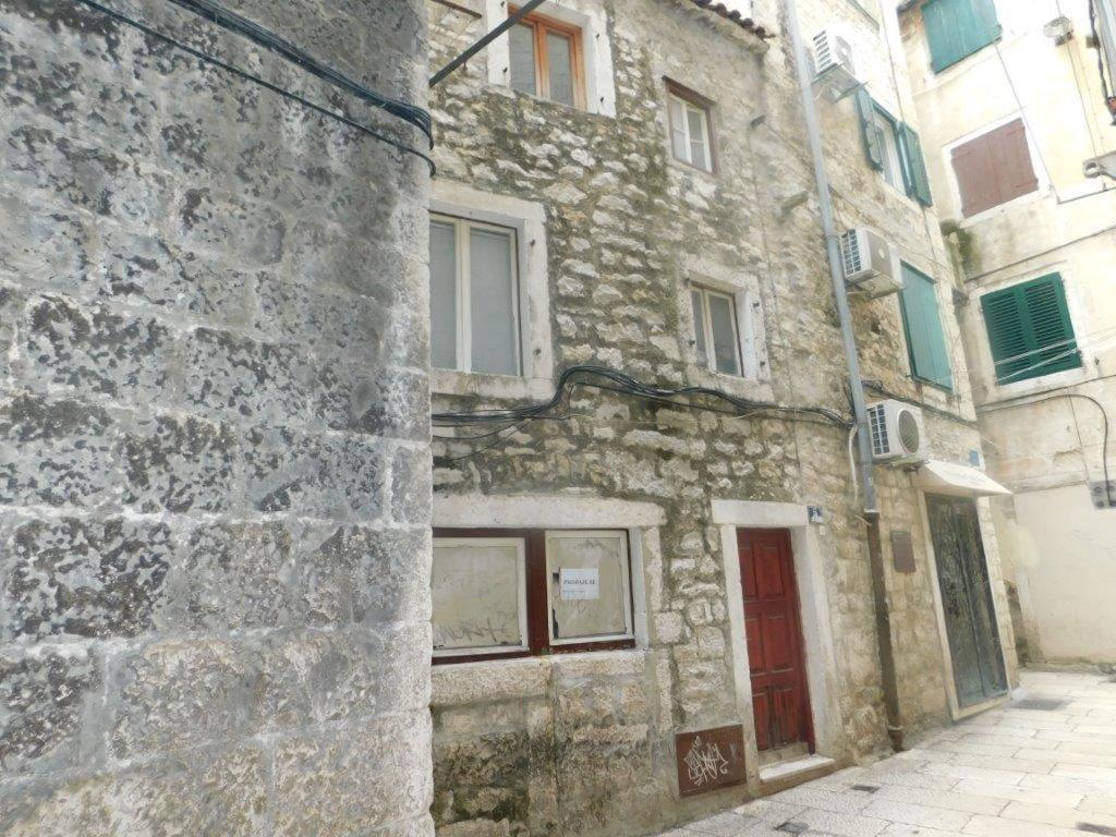 Cosmijeva Apartments