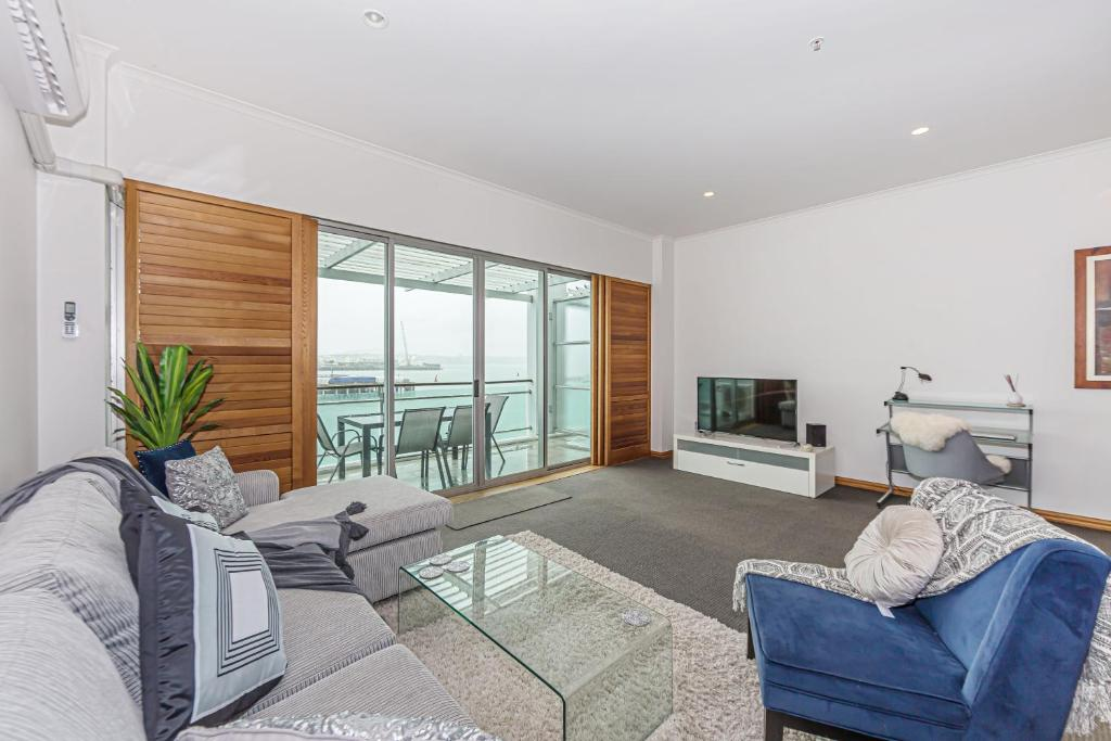 Princes Wharf - Absolute Waterfront & Great Views
