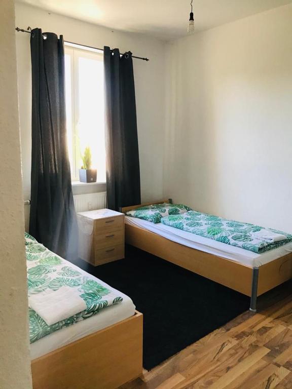 Hannover City 2 Zimmer Apartment WLAN Balkon Küche TV Waschmaschine