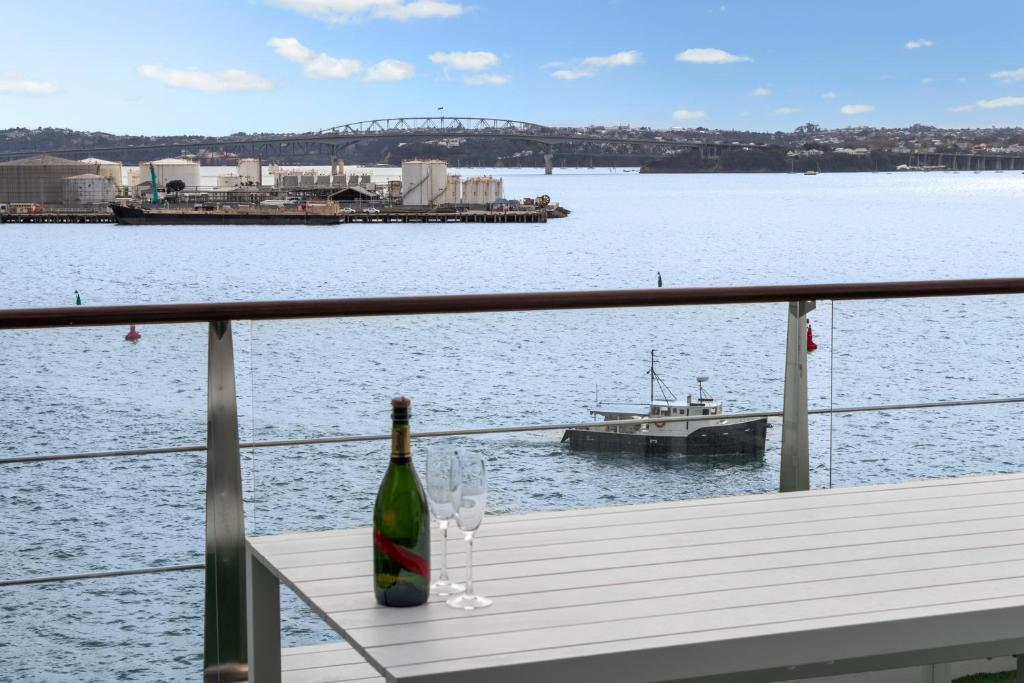 ABSOLUTE Panoramic Waterfront - Princes Wharf