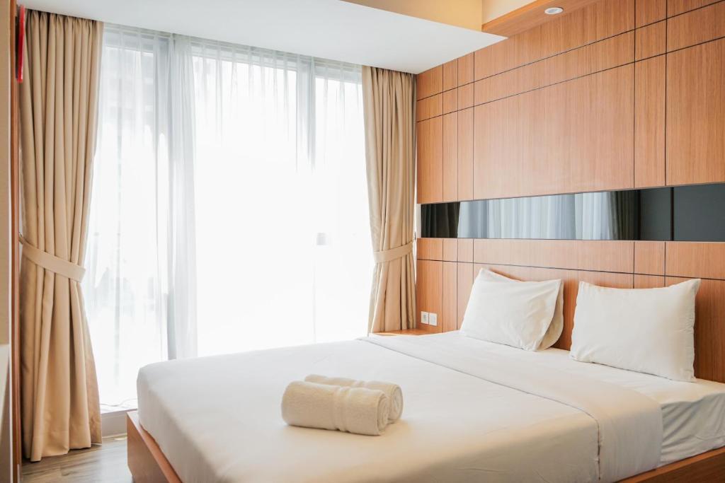 Luxury 2BR at The Branz Apartment near AEON Mall By Travelio