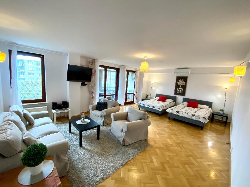 Center Warsaw - Apartmenty Jana Pawła II