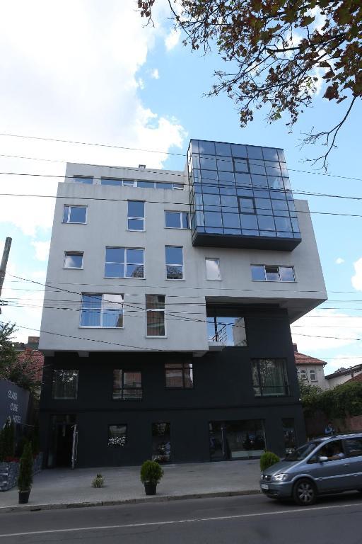 Glass Cube Hotel