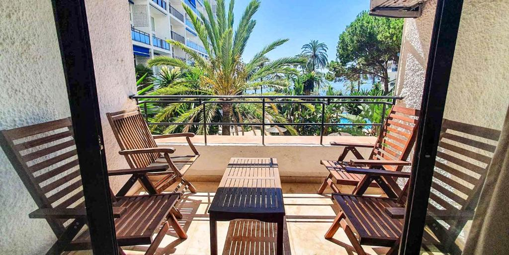 SKOL 233. Wonderful Two Bedroom Apartment in Marbella Center.