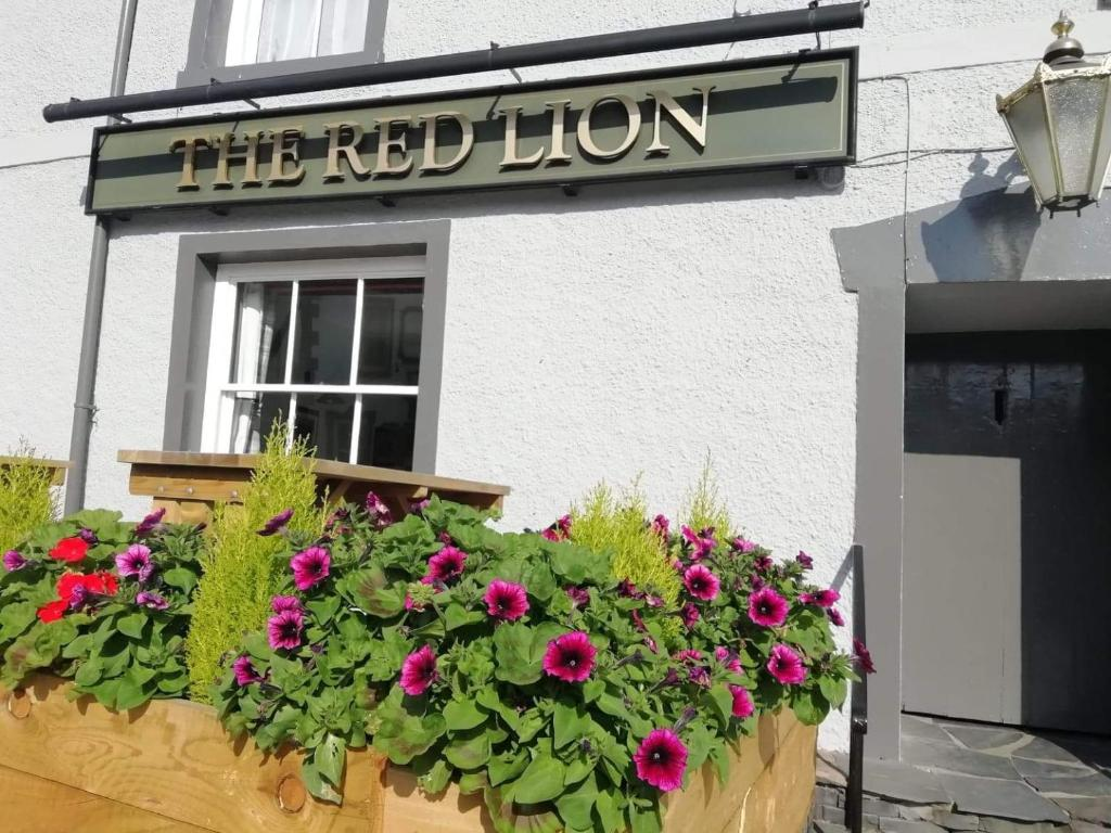 Red Lion Rooms
