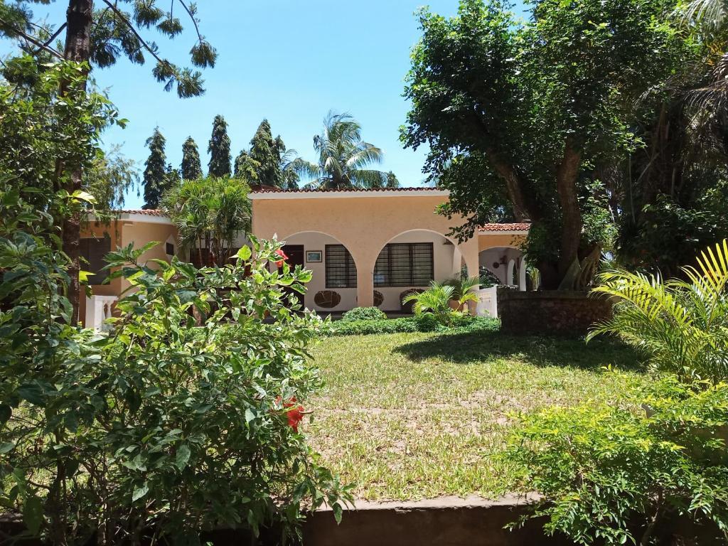 Kamsons Villa Holiday Home, Serena