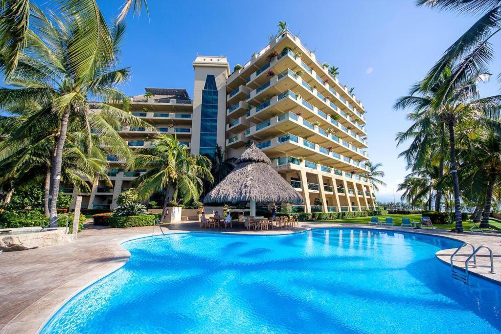 Enjoy ocean breezes and swaying palms at Ocean Vista Residences