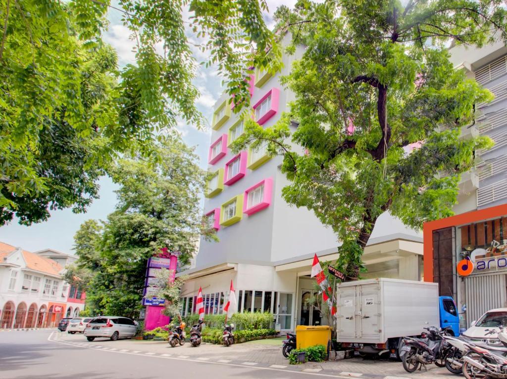 OYO 4005 Bunga Dahlia Guest House