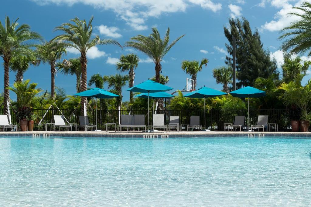 Hampton Inn & Suites Cape Canaveral Cruise Port, Fl